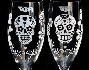 2 Day of the Dead Wedding Champagne Flutes, Personalized Champagne Glasses, Dia De Los Muertos Quincenera
