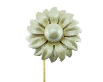 Enamel Daisy Stick Pin, Vintage White Flower Brooch, Enamel Flower Pin, White Enamel Flower brooch