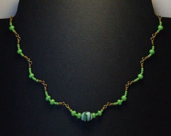 "Necklace ""clusters"" green glass beads / yellow brass"