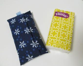 Tissue Case/Pale Blue Flower