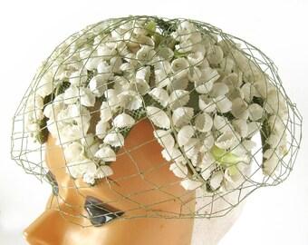 1950s Floral Hat / White Bell Flower Hat / Garden Nymph Pixie Hat / Rockabilly Bride / Millinery / Vintage Bride or Bridesmaid / VLV