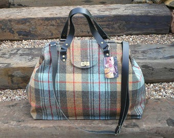 Carpet Bag, Weekender Bag, Hand Luggage, Luggage and Travel, Overnight bag, Mary Poppins Bag, Wool tweed bag