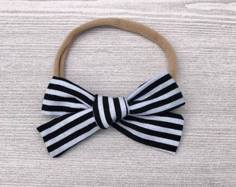 Striped Schoolgirl Bow, Baby Headband, Monochrome Baby Headband, Nylon Headband, Baby Girl, Baby Accessories, Baby Bow Headband