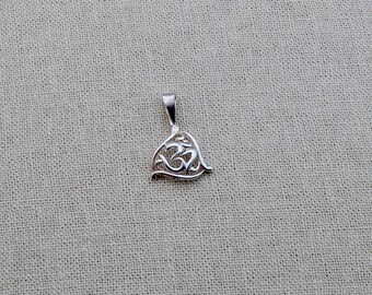 Triad Om Pendant / Charm ~ Sterling Silver ,New Era Bohemian, India jewelry, meditation, sacred amulet, energy protection