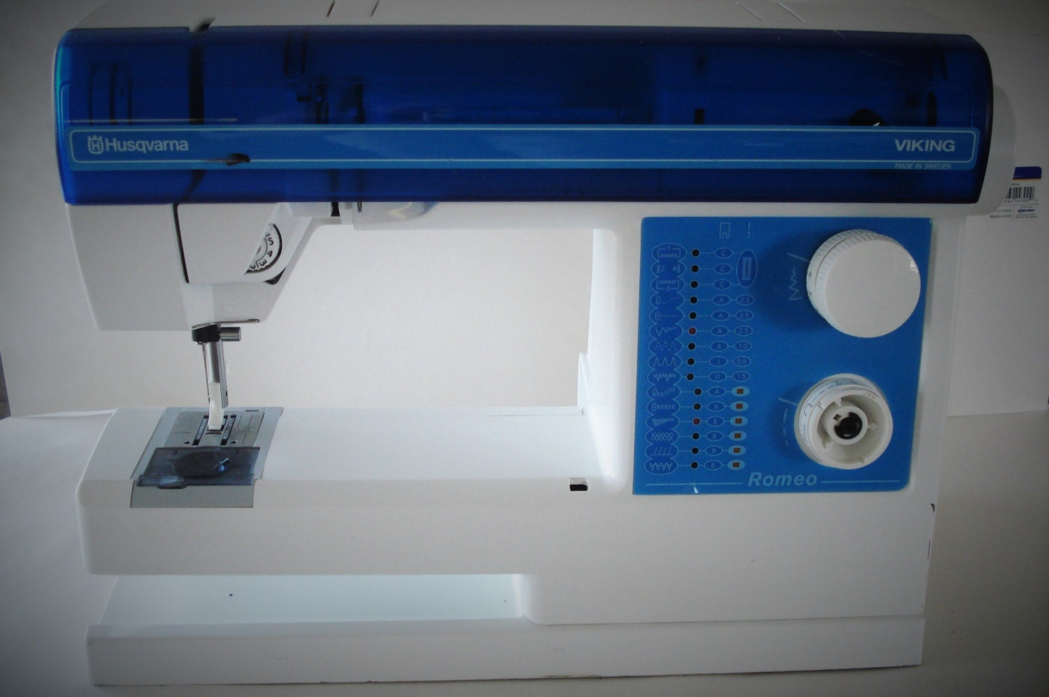 HUSQVARNA Viking Romeo Sewing Machine As Is.