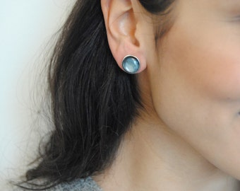 marbled stone studs