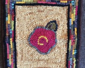 Mini hooked rug