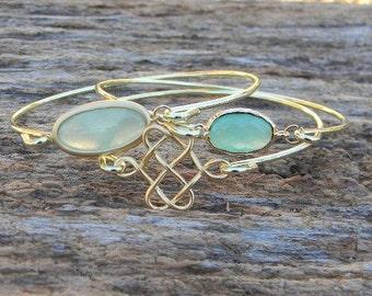 Gold Bangle Bracelet Set / Mint Green Bracelet / Bridesmaid Gift / Bridesmaid Jewelry / Bridesmaid Bracelet / Valentine Gift / Mint Jewelry