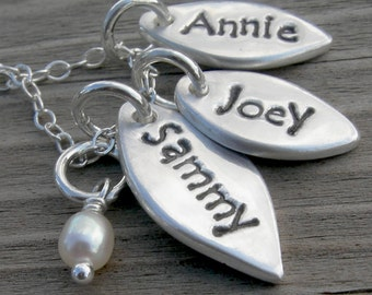 Personalized Three Petal Mom Necklace Sterling Silver Handstamped PMC Pendant Pearl Mother Gift
