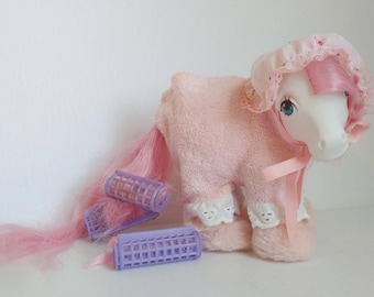 My Little Pony Sweet Dreams Wear  Nightgown Curlers Slippers Cute Accessory Set Hasbro 1980s *Pony Not Included*