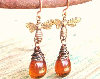 Honey Bee Earrings.Wire Wrapped Briolette Honey Amber Earring.Amber Glass Dangle Earrings.Honey Bee Jewelry.Amber Jewelry.Gift for Bee Lover