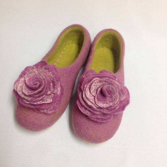 for shoes wool for coworker Felted Pink slippers Yellow Woolen house Woman's gift her gift gift day clogs Warming Mothers slippers RpqxU55Cw