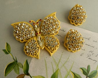 WEISS Yellow Rhinestone & Black Japanned Butterfly Brooch Pin    OCS51