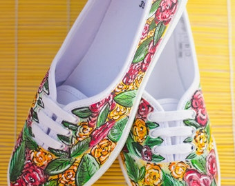 Hand painted Women Canvas Shoes, Sneakers with flowers: Think floral