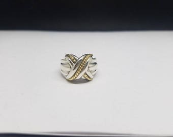 WOW!! Stunning Tiffany & Co. 18K Gold and Sterling Silver X or Kiss Ring - Size 5.5