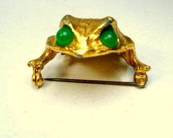 Vintage  Gold TOAD or FROG Brooch,   Rana Lover Pin, 1980s, w Jade Green Glass POP Eyes