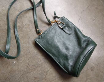 Vtg 90's Dark Green Leather Small Rounded Bucket Zip Pouch Bag Crossbody Shoulder Purse Small Brass Hardware
