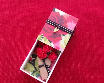 Paper Flower Bouquet Message Box with fabric gift bag