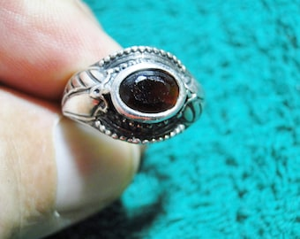 Pretty Sterling Silver Ring W Setting -  Marked 925 - Size 7 - Weighs 4.8 Grams - Very Nice!