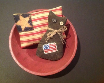 Primitive Americana bowl fillers Coffee died pillow Primitive Americana cat July  4th decoration Memorial Day decor