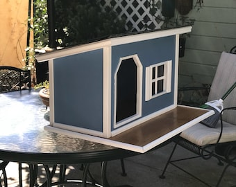 Cape Cod style small dog house