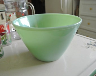 Green Jadeite Splashproof Mixing Bowl Vintage Bowl Fire King