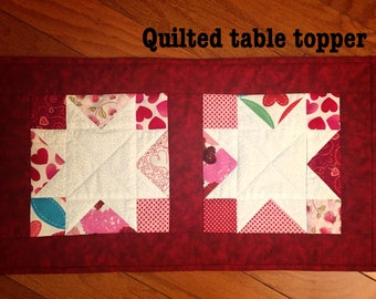 Valentine's day quilted table topper, Quilted Table runner,Valentine's day Deco.