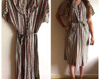 Pretty vintage 1950s Green and Red print dress