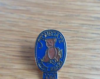 Vintage Yorkshire Teddy Bear Badge - Kitsch Chic Boho Cute - York Brooch