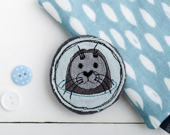 Seal Brooch // Jewellery // Seal Pin // Textile jewellery // Fabric brooch // Textile Brooch // Seaside // Embroidered Patch // Blue // Sea