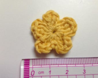 yellow flower cotton and crochet