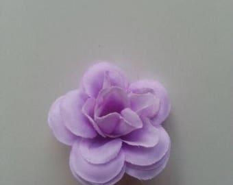 fleur  en tissu  mauve  40mm