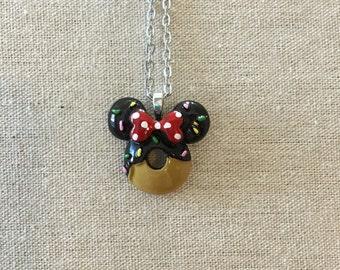 Minnie Mouse chocolate doughnut necklace - disney - disney inspired - disneyland - disneyworld - Mickey Mouse