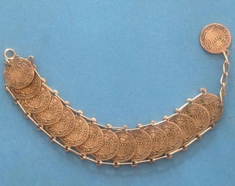 "Vintage! Vintage unmarked silver tone coin link bracelet ""Souvenir dis. Marino"""