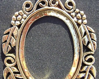 4142FD Pendant Cameo Cab Setting Frame Bezel for 25x18mm Oval Cabochon Antiqued Gold Brass 1 Qty