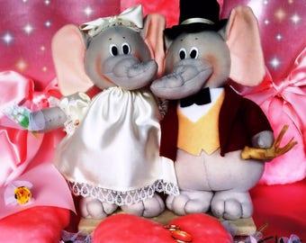 Wedding couple. Dolls. The Elephants of Luck. Couple of elephants ' boyfriends of good luck. Boyfriends.