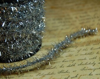 Classic Silver Vintage Style Wired Tinsel Roping Trim