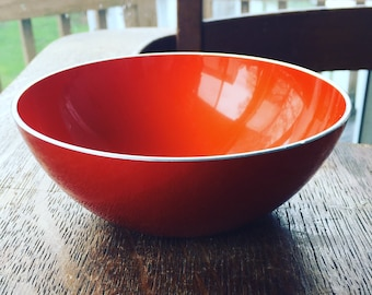 Mid Century Retro Emalox Norway Vibrant Orange Enamelware Aluminum Bowl, Shocking Orange, 50s, Vintage, Display, Food, Party, Collectible