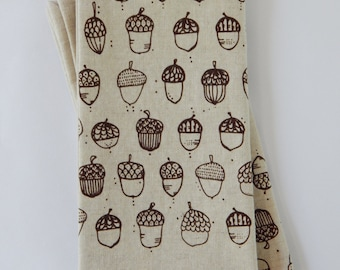 Cloth Napkins, Hand Printed Acorns, Set of 4 Natural Linen / Cotton Blend