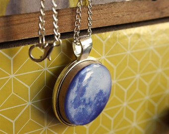 Full moon necklace, everyday jewelry, Hand crafted, Resin jewelry, Very lightweight - Universe