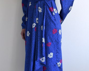 vintage royal blue floral wrap dress / US6 / m