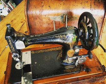 SALE! Antique Singer Sewing Machine made in 1893 with handcrank flywheel and original wooden case