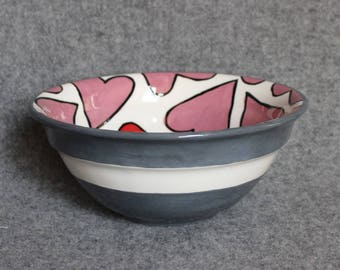 Small Mixing Bowl, hand painted Heart design, Anniversary, wedding gift, fruit bowl, Popcorn Bowl, Candy bowl, Salad bowl, Serving bowl