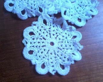 Set of 4 white doilies made crochet