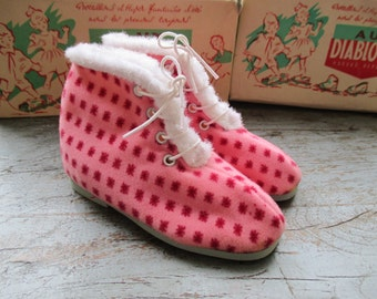 Reduced price / French vintage 50's / kids / slippers / plaid wool / made in France / new old stock / size EU 22 / US 6 / UK 5,5
