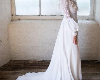 Boho Wedding Dress. Crochet Dress. Vintage Wedding gown. 1970s Bridal Gown. Festival Wedding. White Wedding. Hippy Chick.