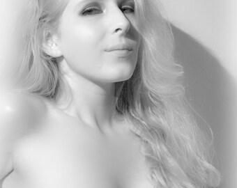 Weibliche nackte Kunst Porträt schwarz-weiß hautnah halbe Büste künstlerische Nacktheit Wand Kunst Wohnkultur - Silber Weichheit - 4
