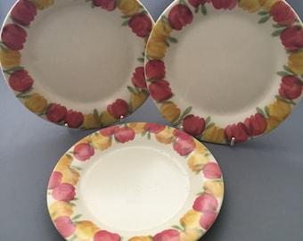 Ben Thomas Hornsea Studio Pottery Red and Yellow Tulips Three Dessert Plates