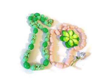 Lot of vintage jewelry pins flower necklaces green pink beads