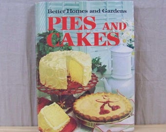 Vintage PIES AND CAKES Cookbook - 1966 - Retro Dessert Photographs and Recipes